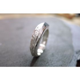 Rock-Metal Ring