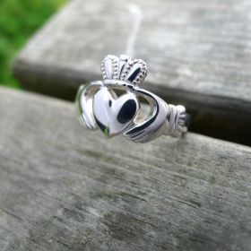 Mens Claddagh Ring