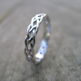 Ladies Infinity Celtic ring .
